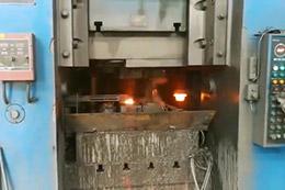 机车轮毂热锻加工自动线