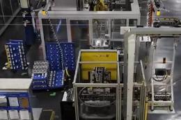 通用汽车工厂生产发动机过程