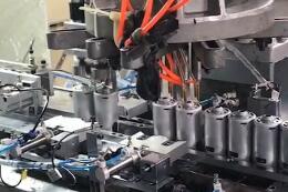 电池拉伸自动化生产线