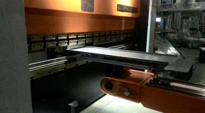 扬州恒佳自动化折弯单元