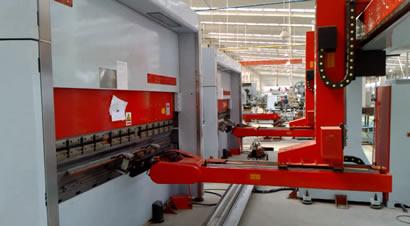 扬州恒佳门框机器人折弯