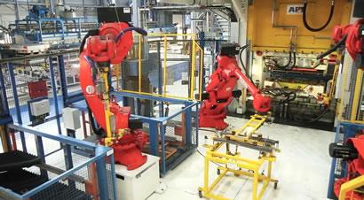 配柯马机器人的热冲压线