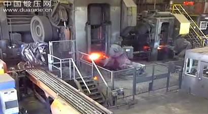 机器人锻造生产线