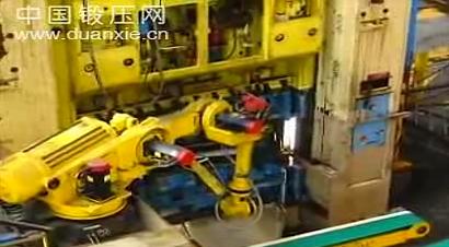 沃尔沃机器人冲压生产车间