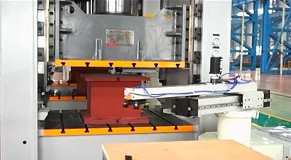 液压机自动化柔性生产线
