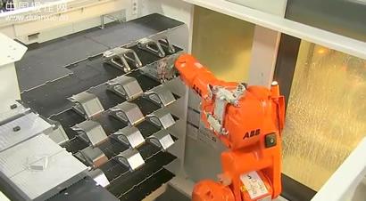 机器人与机床精准配合