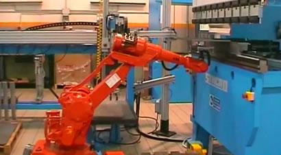 机器人自动折弯线