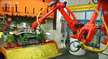 冲压车间自动化送料机器人