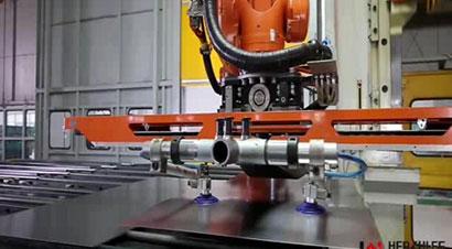 新龙马配ABB机器人冲压