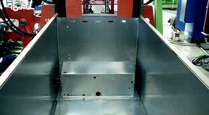 U型柜自动折弯和底盖装配