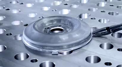 轮盘热成型