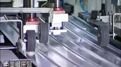 金属车库门自动化生产线