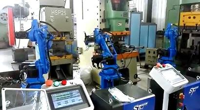 配4台机器人全自动锻造线